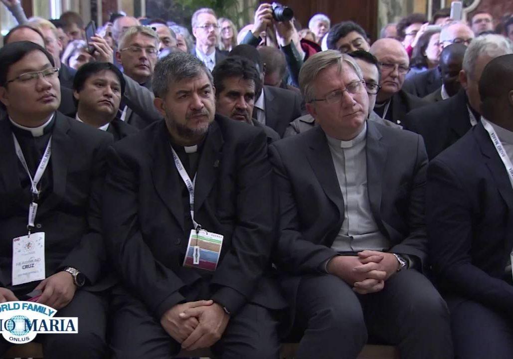 2015-10-29-Pope-Audience-Radio-Maria-Vatican
